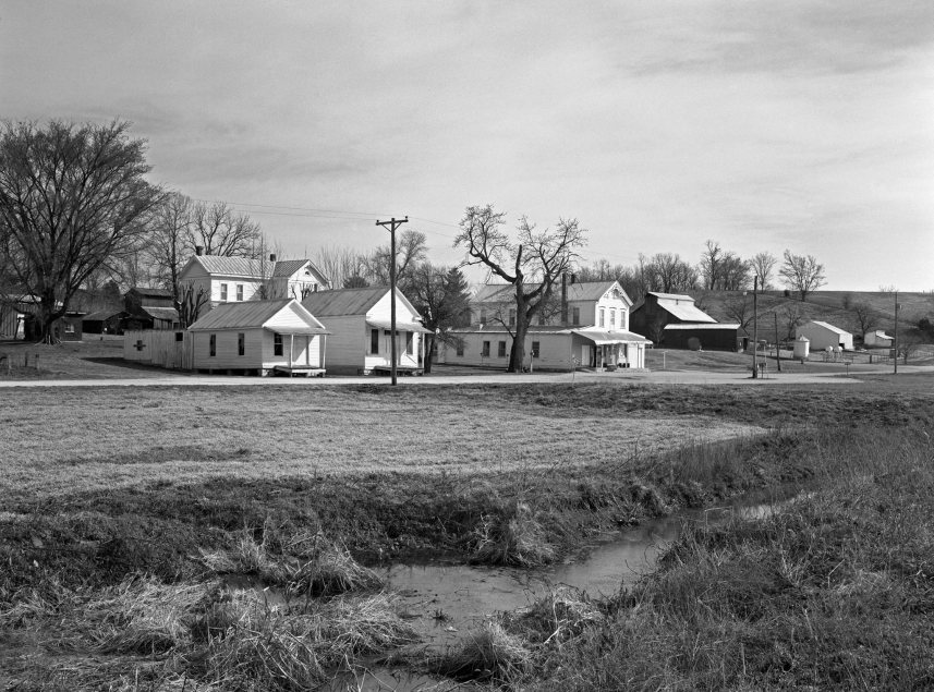 3-15-1995 Treloar Missouri near Hermann MO-Linhof Technika 4x5 camera-120mm Schneider Super Symmar HM-K2 filter-Kodak Tmax 400 4x5 film-PMK Pyro developer.