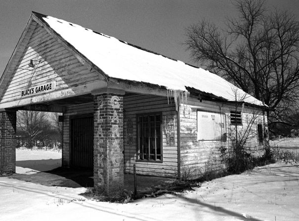 2-11-1979 Sumner County Alabama-Olympus OM1 35mm camera-50mm Zuiko lens-Kodak Plus X 35mm film-Edwal FG7 developer.