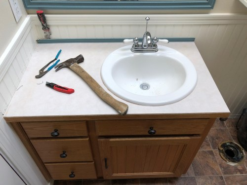 Lake Roesiger Bathroom Update Before