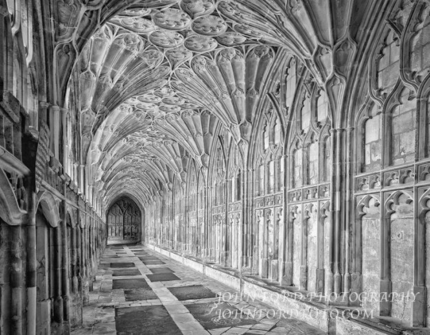 GLOUSCESTER CLOISTER, ENGLISH CATHEDRALS