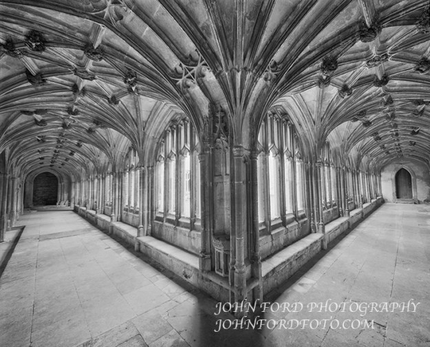 LACOCK CLOISTER, ENGLISH CATHEDRALS