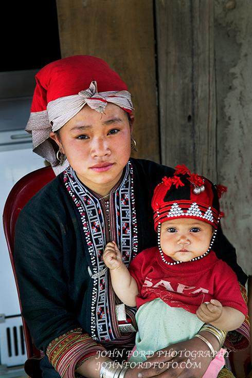 MONTEGARD WOMAN & BABY 2, VIET NAM