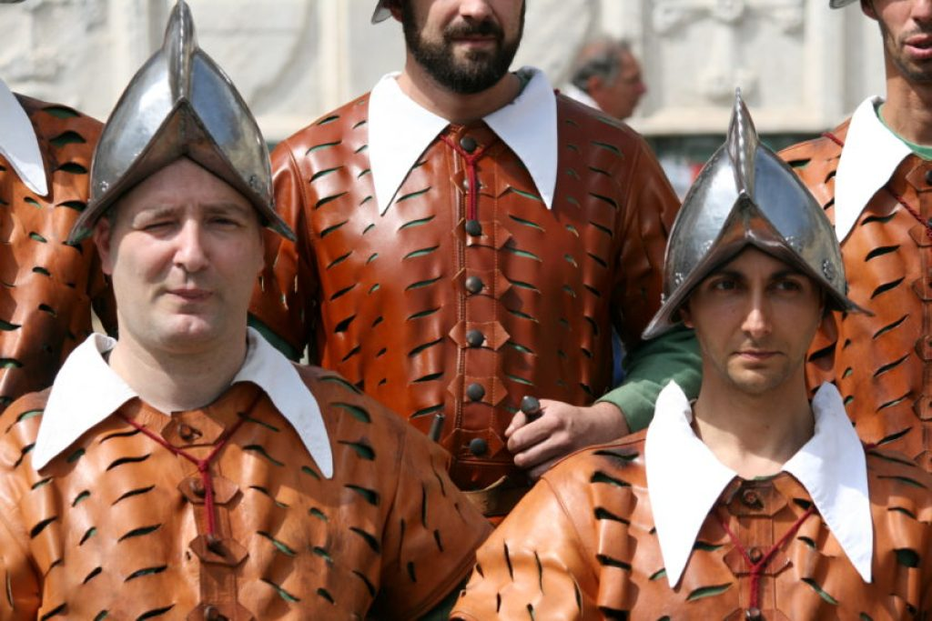 Part of the procession is a group dressed as Archibusieri, the uniforms of the Florentine Republic army.