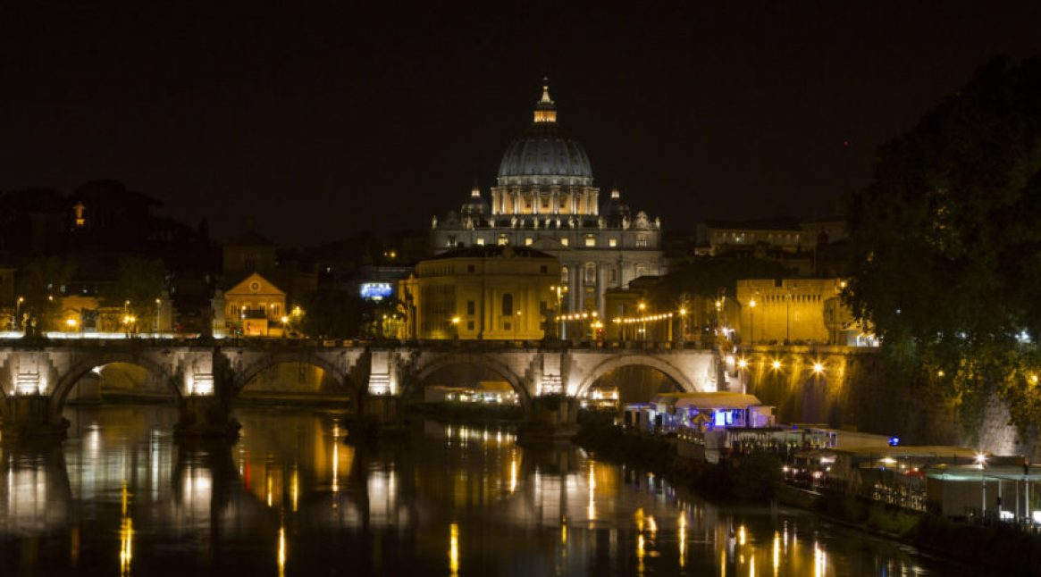 Beautiful photo of Rome at night, huh? Unfortunately, it was taken at 11 o'clock this morning. No, the sun did not come up again.