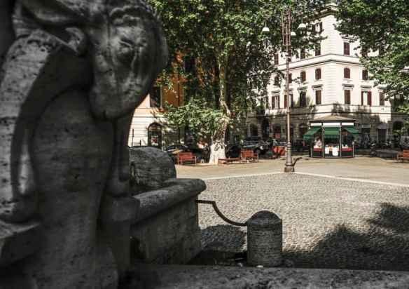 The Fontana delle Anfore in Piazza Testaccio. Photo by Marina Pascucci