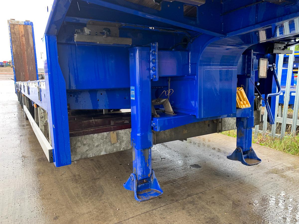 Broshuis 3 axle plant trailer