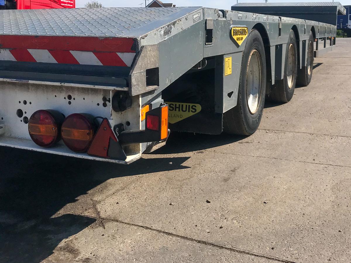 extending semi low loader