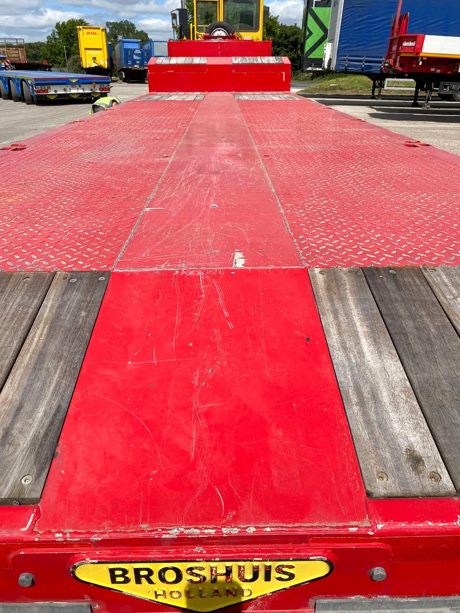 Broshuis single extending step frame