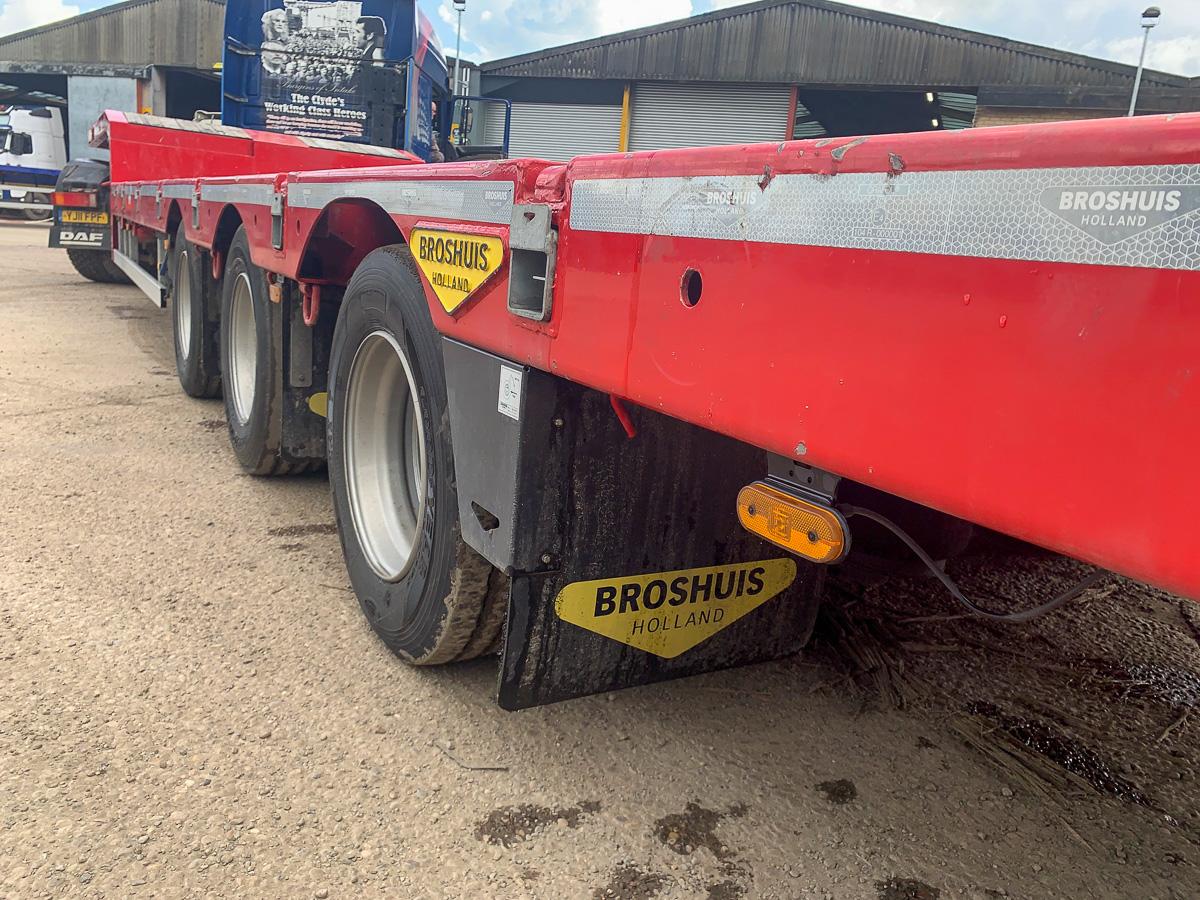 Broshuis extending step frame