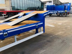 Broshuis 3 axle plant trailer with double flip hydraulic rear ramps.