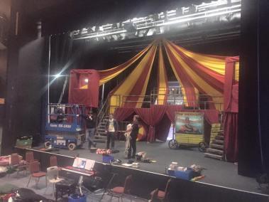 Putting up the set!
