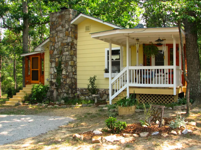 Picture of cottage in Mentone Alabama that is for rent