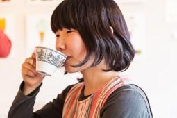 69.10 Tea Drinking Gallerist (IMG_8159)