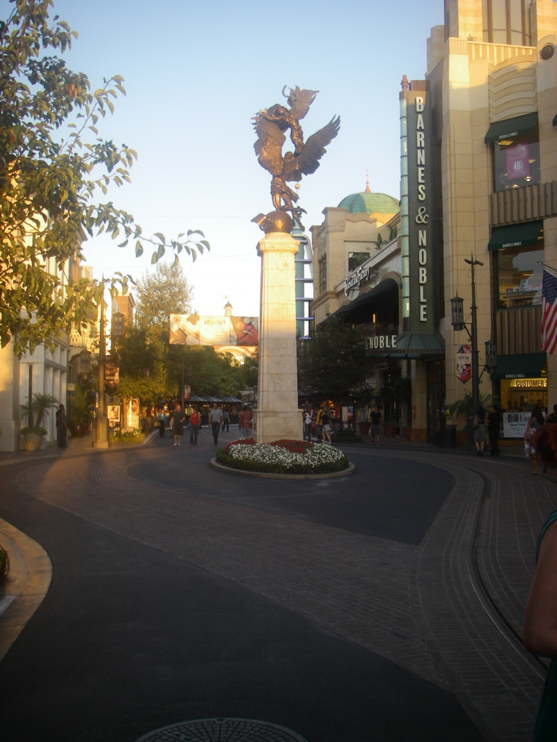 The Grove is the cleanest shopping area I have ever seen
