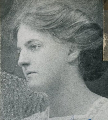 Isabel Cooper a few years before her independence