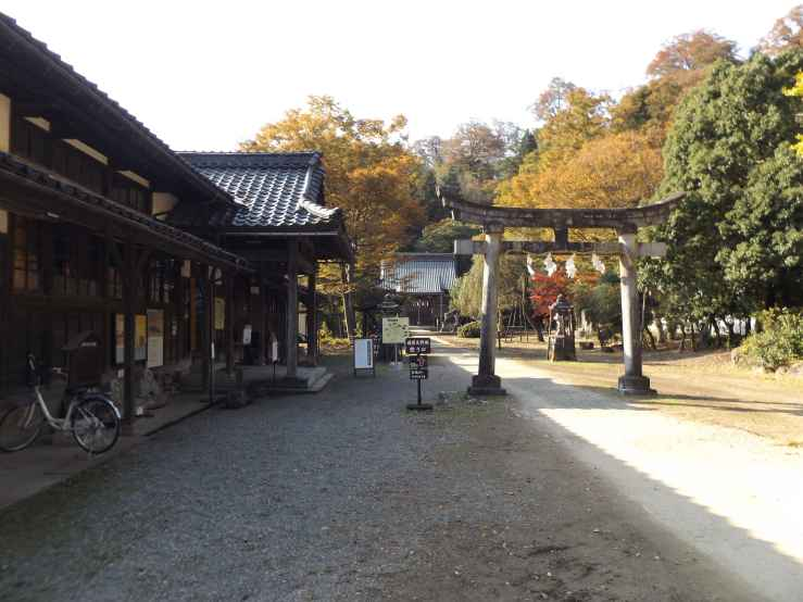 yanaginoyashiro shrine photo