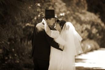 Weddings in the Benalla Gardens