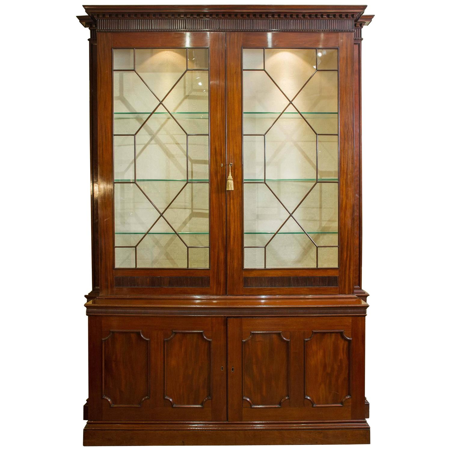 Mid 18th C Mahogany Bookcase With Dentil Cornice Detail