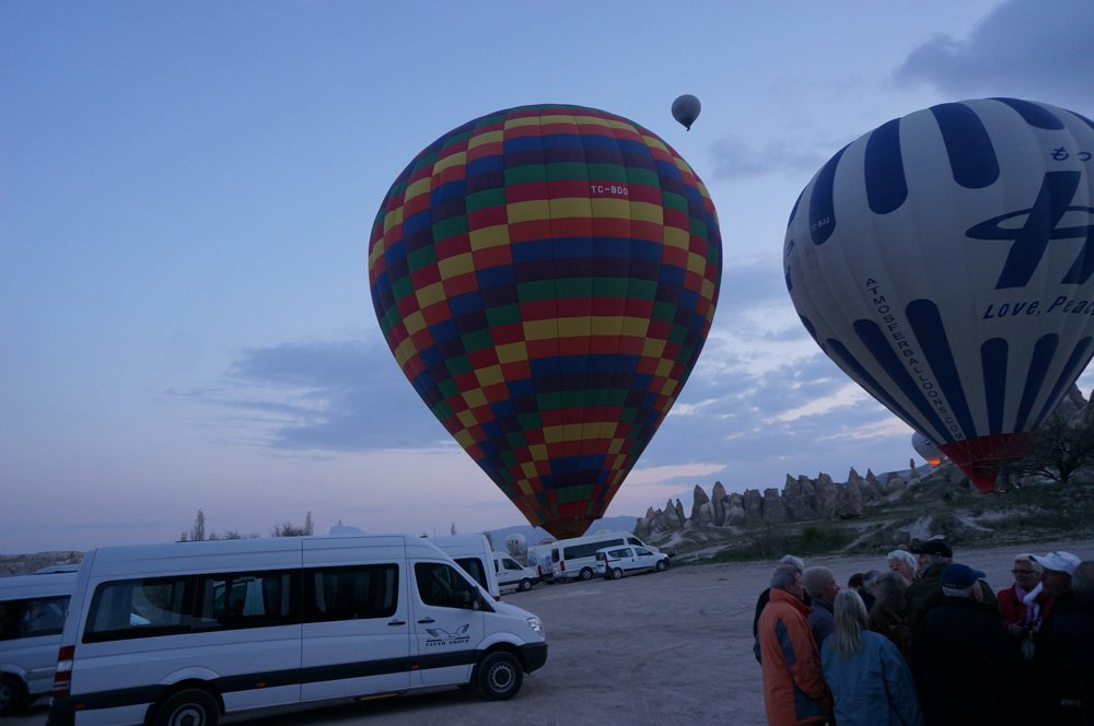 Arriving to the balloon site early in the morning.
