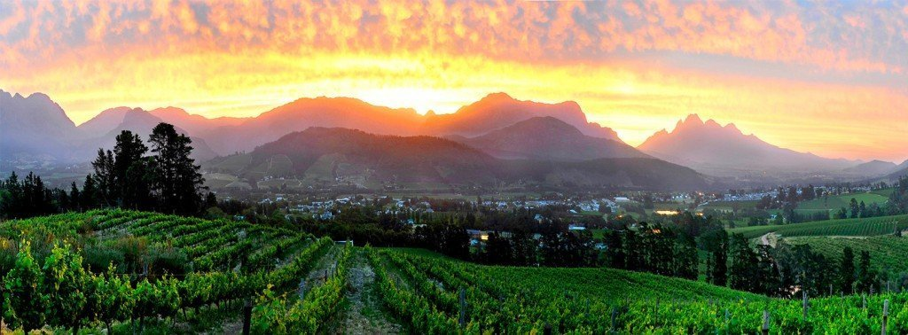 Sunset at Dieu Donne in Franschhoek. Could anyone get tired of this?