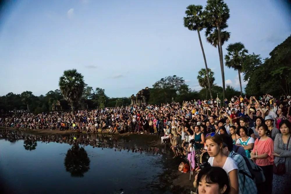 crowds of angkor wat