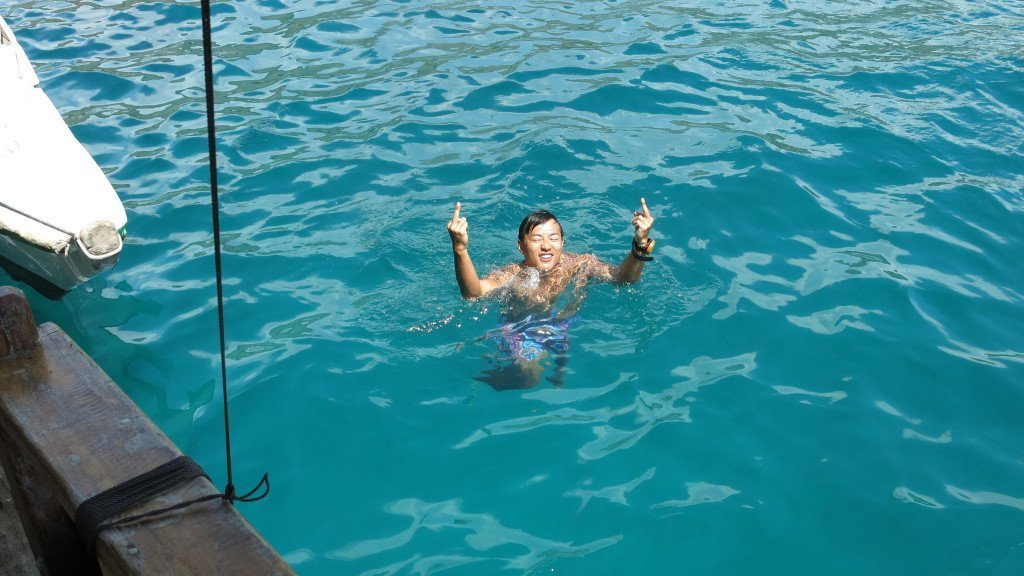 Treading water komodo waterskills divemaster