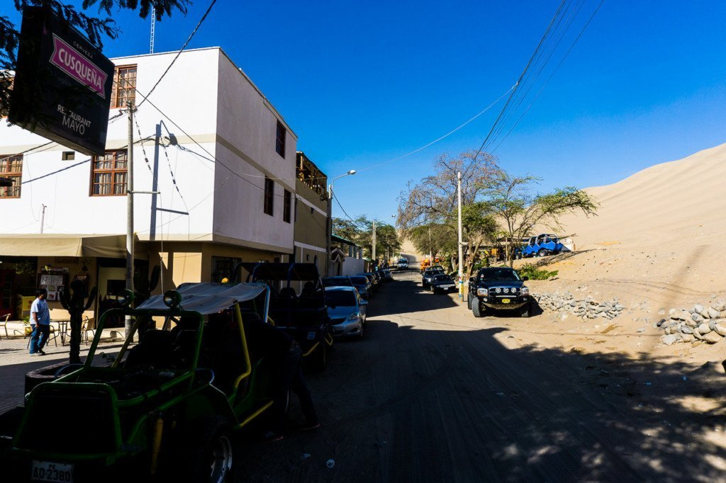 Huacachina Town