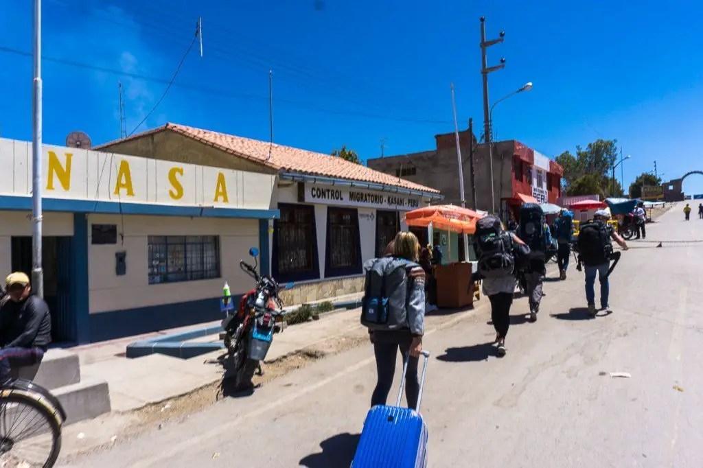 peru bolivia border crossing