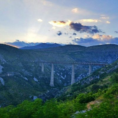 bridges on belgrade to bar train