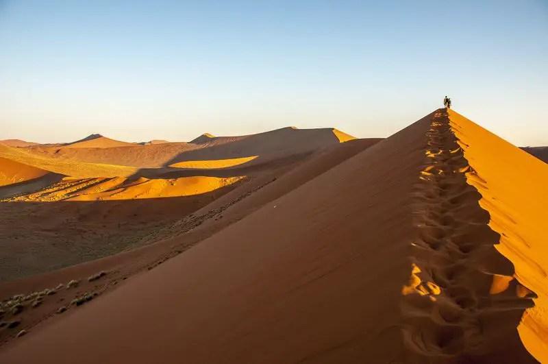 namib-desert-trekking