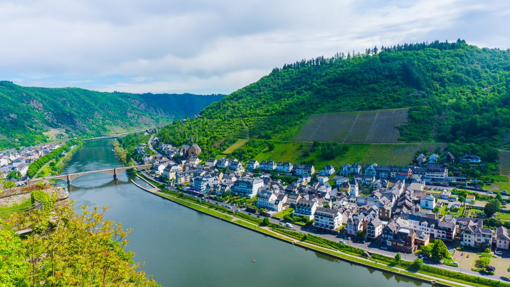Visiting Cochem And The Mosel Wine Region Of Germany - Johnny Africa