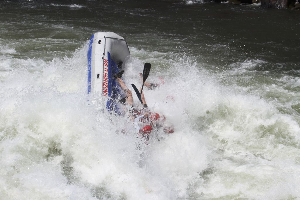 Victoria falls white water rafting capsizing