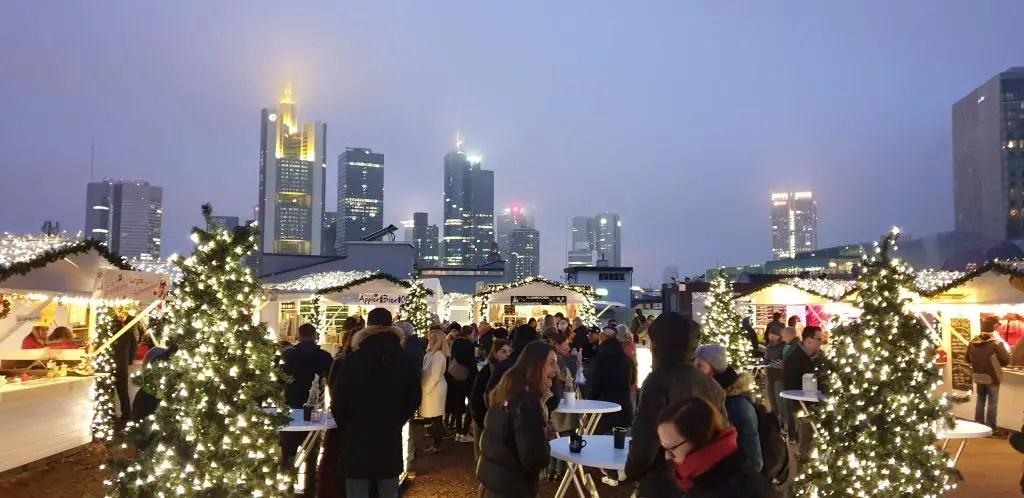 Weinachtmark at the City Beach rooftop in Frankfurt