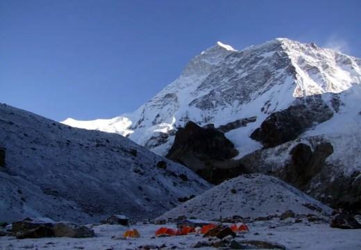 makulu base camp trek nepal