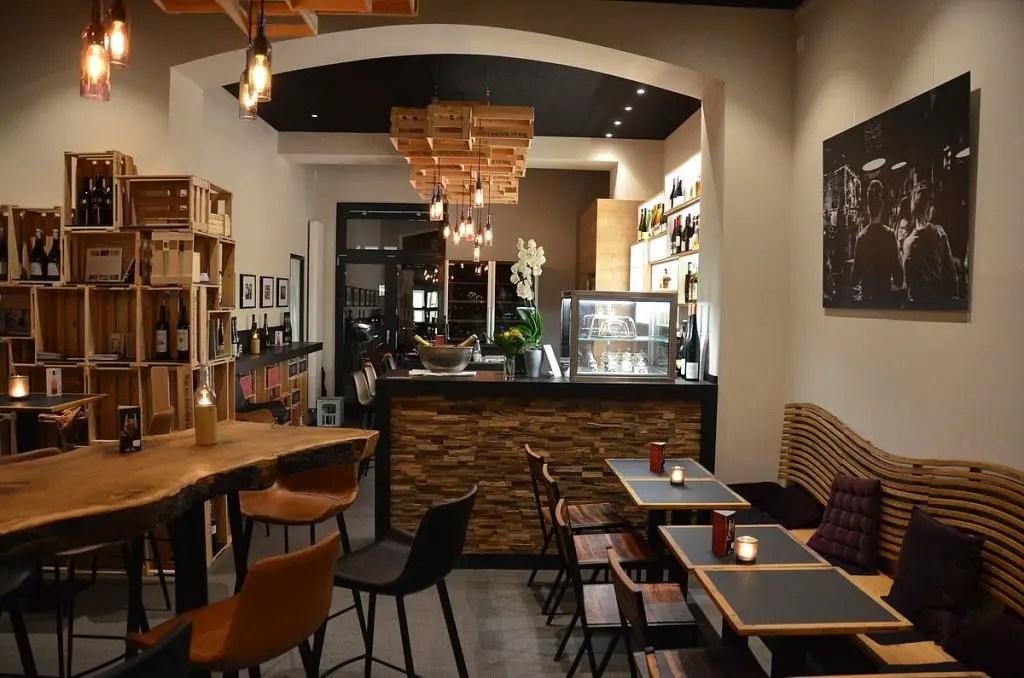 East Grape Wine bar