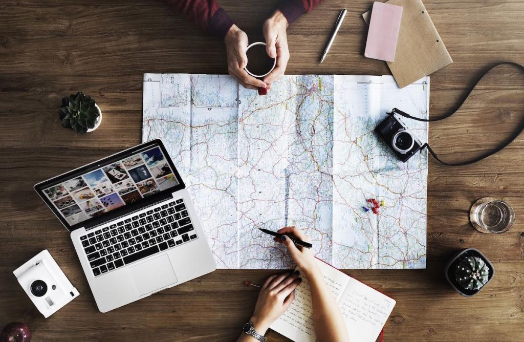 How to start a travel blog guide