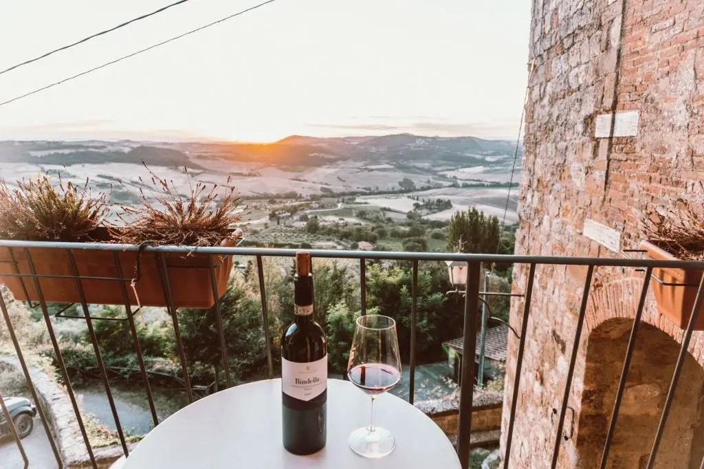 Airbnb montepulciano Tuscany