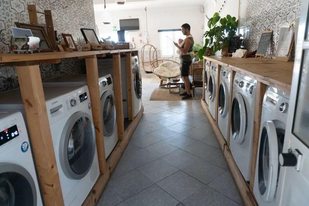 Laundry cafe sagres