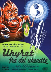 it_terror_from_beyond_space_poster_05