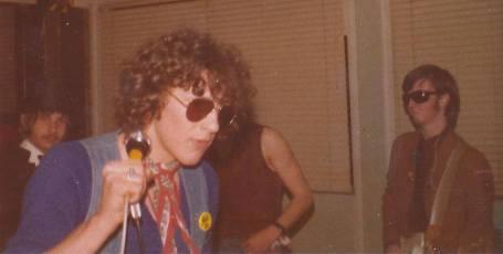 dangerous-bros-1977-2