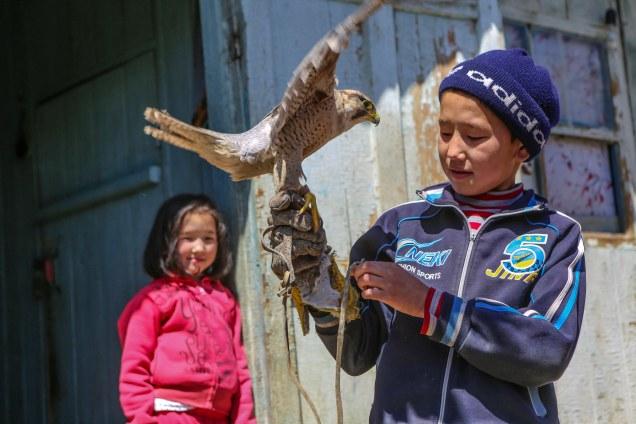 Hemma hos Talgar och örnen Tumara. Foto: Johnny Friskilä