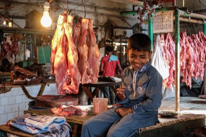empress-market-karachi-meat-boy-1
