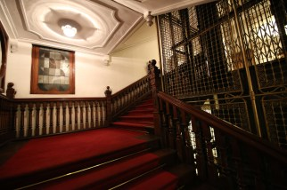 Queens-Hotel-Kandy