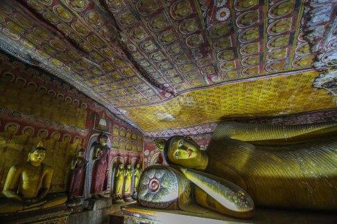 Dambulla-sleeping-resting-buddha