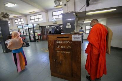 Kandy-munk-letter-box-post-office