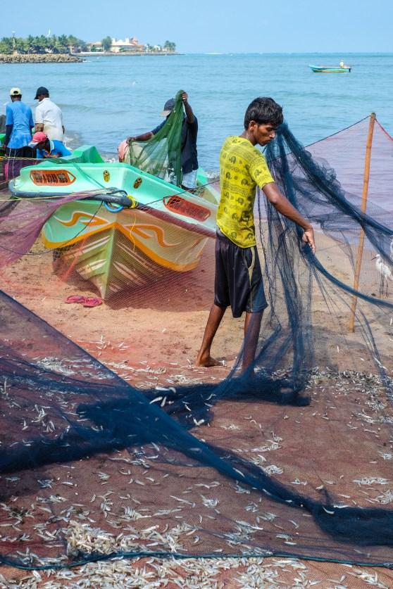 Negombo-beach-fisherman