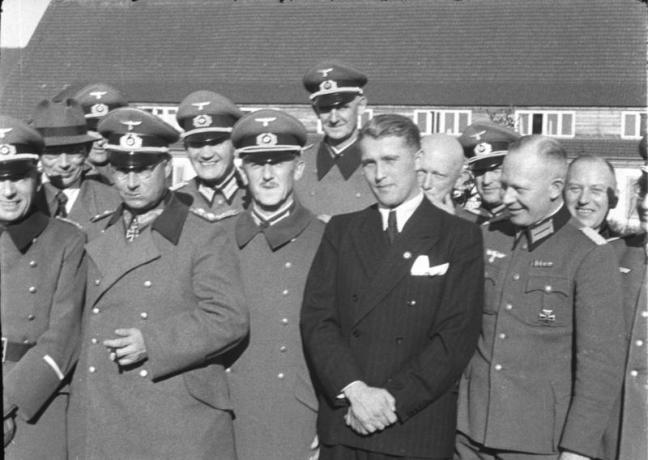Werner von Braun poses with his co-workers...before becoming a proud American citizen, of course!