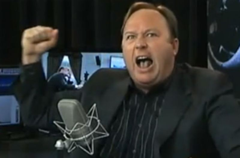 alex-jones-antics-03