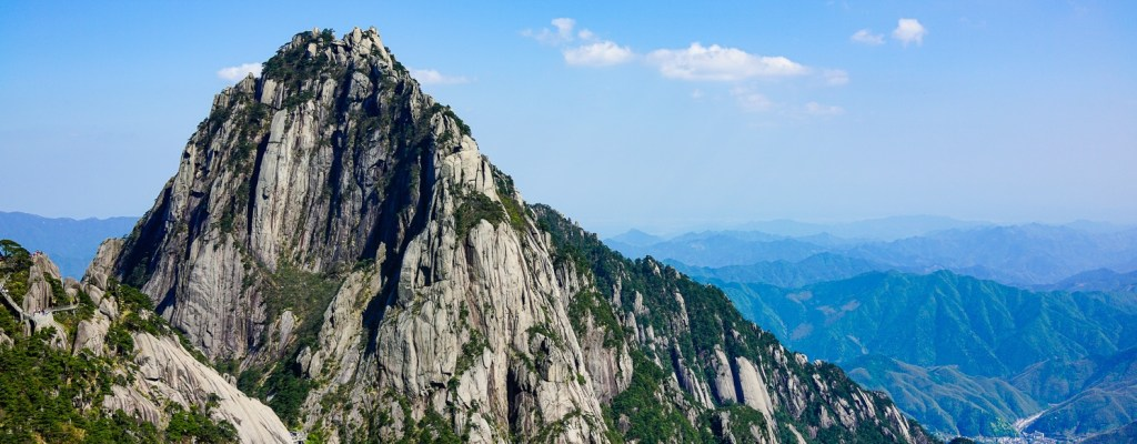 Exploring Huangshan (Yellow Mountain)