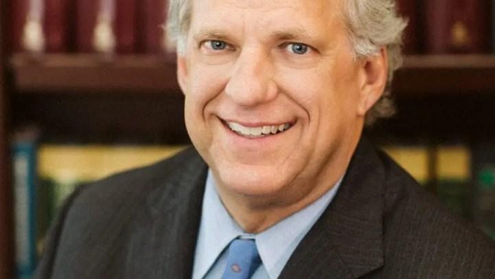 John Price presents the News 2 Cool School Award to North Charleston United Methodist!